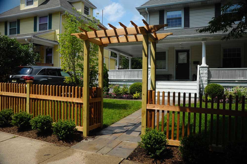 Front Yard Design by Twig & Vine